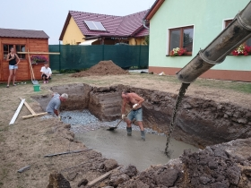 Výkop bazénu Hněvotín u Olomouce
