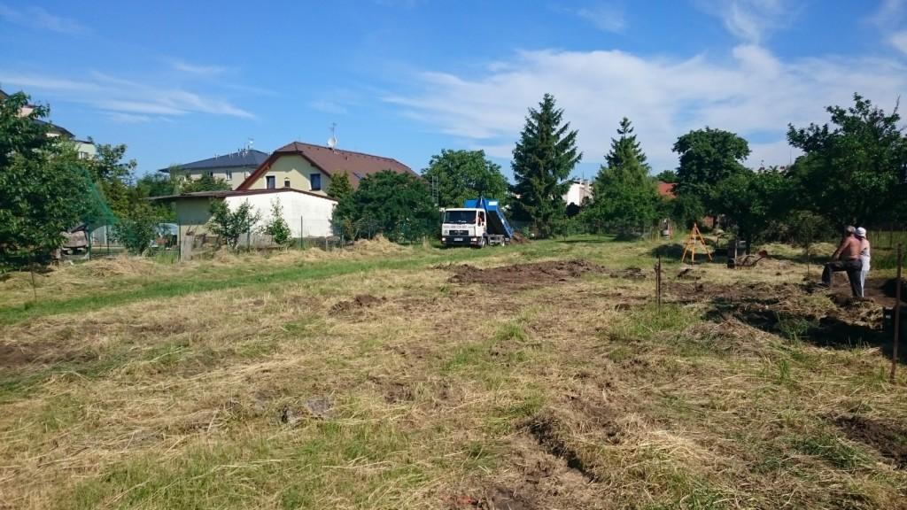 Úprava pozemku před kopání základů